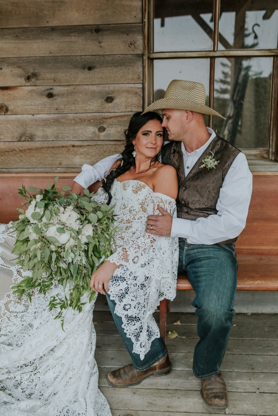 Melani and Matthew Pretty Country Wedding